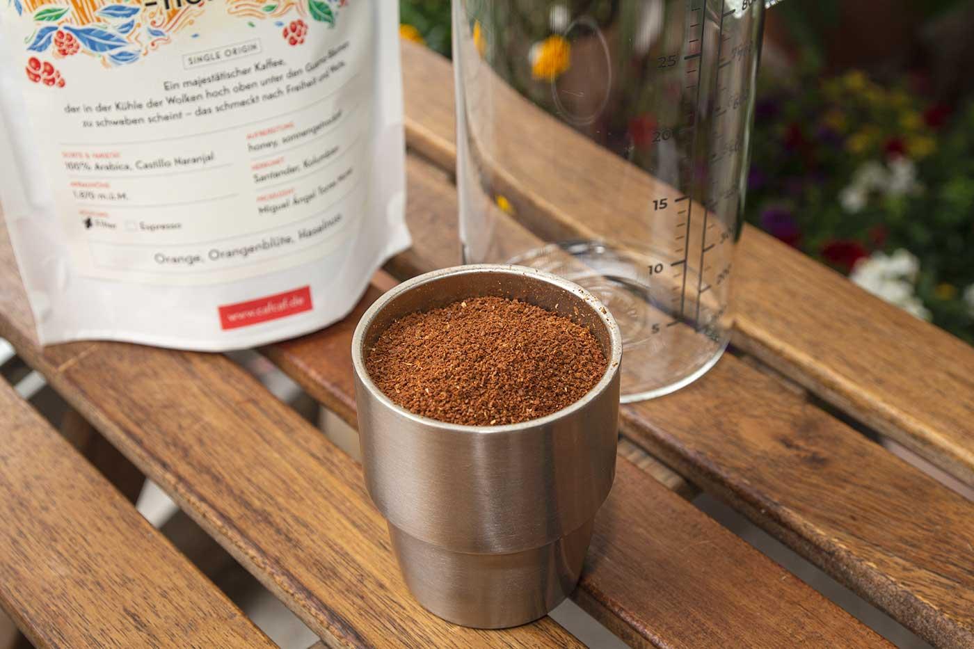 CafCaf Cold Brew Zubereitung: Schritt 1 Kaffee grob mahlen