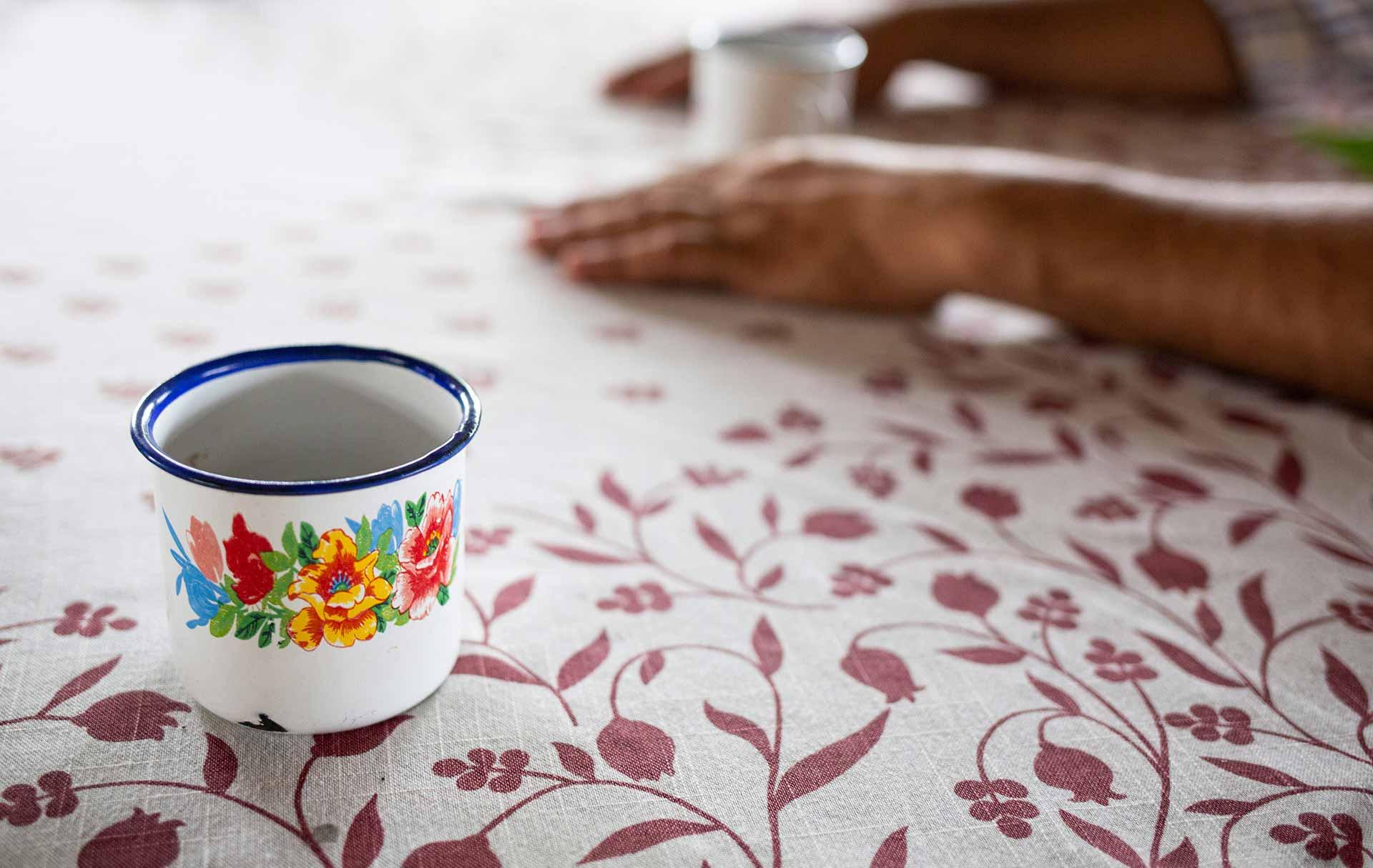 Emaille Tassen: Nostalgie und Moderne. CafCaf.de – Kaffee & Blog, Kaffeeblog
