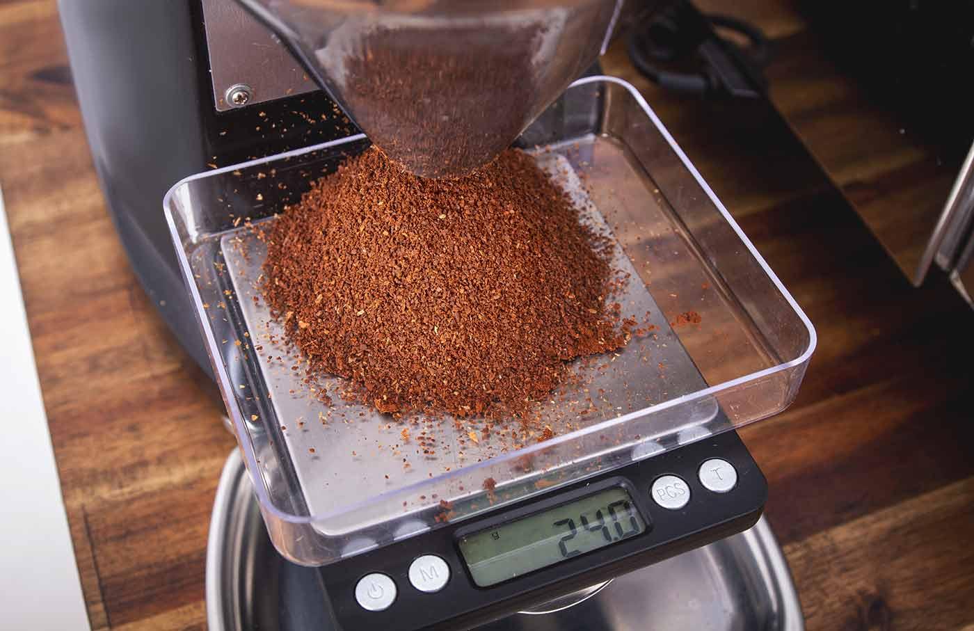 Schritt 3: Kaffeebohnen mahlen